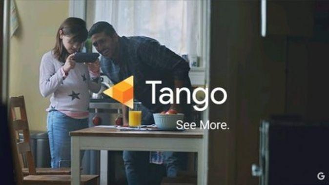 Tango対応端末は赤外線カメラなどを使って深度情報を抽出できます。そのデータを使って同時に現実世界のマッピングと現在位置の把握(SLAM)を行います。その情報をソフトウェア開発者に使いやすい状態で提供するのがTangoの目的です。GoogleなどによるデモがTangoの可能性を示しています。