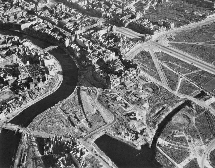 Koenigsplatz um 1945