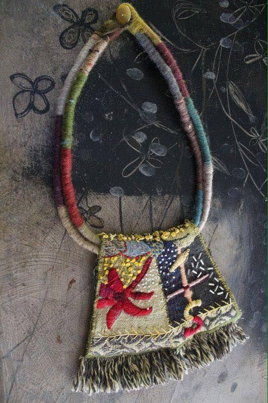 Textile necklace - Odile Mandrette