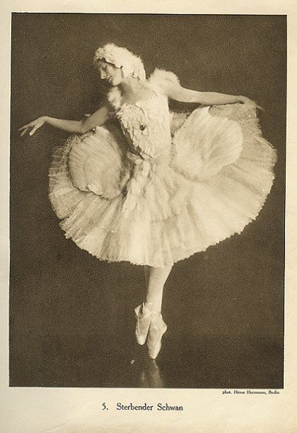 Anna Pavlova, costume by Leon Bakst for Swan Lake, 1905