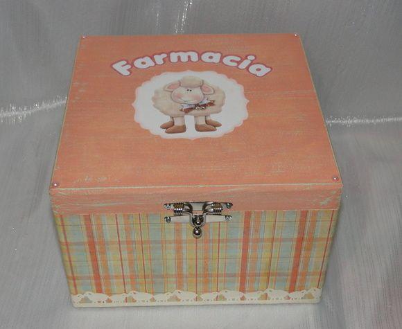 Caixa em mdf com dobradiças e sem divisão interna. R$ 65,00