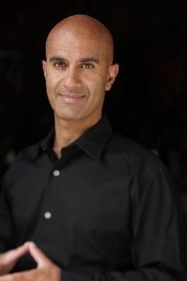 """Robin Sharma - Autore de """"Il monaco che vendette la sua Ferrari""""  http://langolodelpersonalcoaching.blogspot.com/2008/07/il-libro-una-vita-inimitabile-di-robin.html  http://www.ilgiardinodeilibri.it/autori/_robin_sharma.php?pn=514"""
