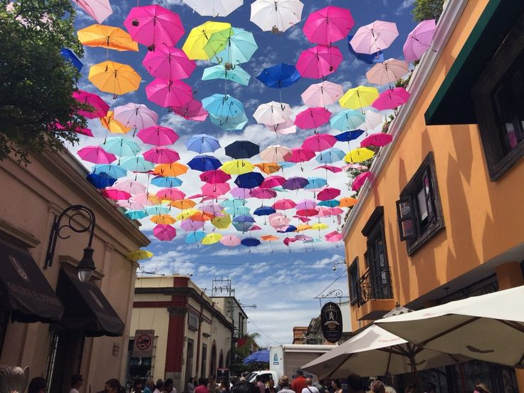 『【グアダラハラ・トラケパケ】WESTIN Guadarajaraとテキーラエクスプレス前の周辺観光』 [グアダラハラ]のブログ・旅行記 by ごれんさん