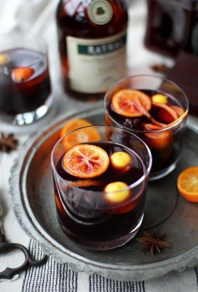 お酒が苦手な人にもおいしく飲めるノンアルコールカクテルを飲んだことがありますか?おいしいのにおしゃれでパーティ気分が盛り上がること間違いなしのドリンクなんです。寒いときにうれしいホットで楽しむノンアルコールカクテルをご紹介します。