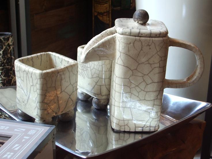 oggetti d'arredo in ceramica Raku. accessories handmade raku pottery. I Tesori Coloniali Reggio Emilia Italy #itesoricoloniali #rakupottery #arredamenti #ceramicaraku #tazzine #reggioemilia #handmade #raku