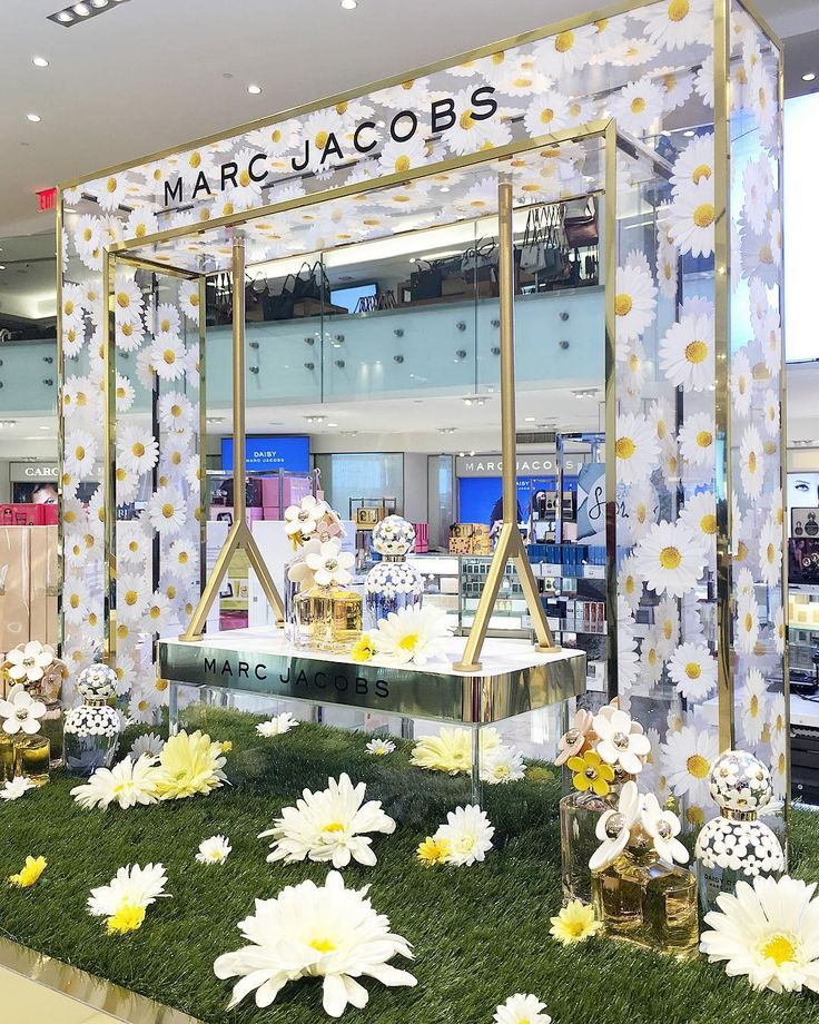 """MACY'S, Herald Square, New York, """"The Daisy Collection"""", by Marc Jacobs, pinned by Ton van der Veer"""