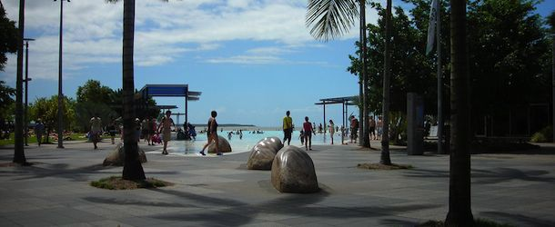 Backpacking and budget travel tips and advice on Cairns, Australia with costs, budget tips, things to see, and places to stay.