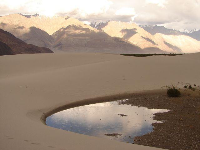 Ladakh -dolina Nubra, Kashmir - , pustynia w dolinie Nubra , INDIE