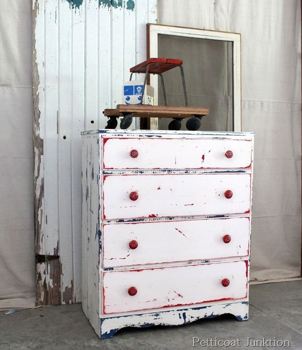 red-white-blue-chest Source http://petticoatjunktion.com/painted-furniture/red-white-and-blue-chest/