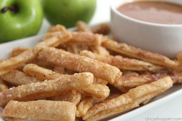 Appeltaart+frietjes?+Ja,+appeltaart+frietjes!+Deze+appel+frietjes+zijn+gemakkelijk+om+te+maken+en+smaken+echt+goddelijk!