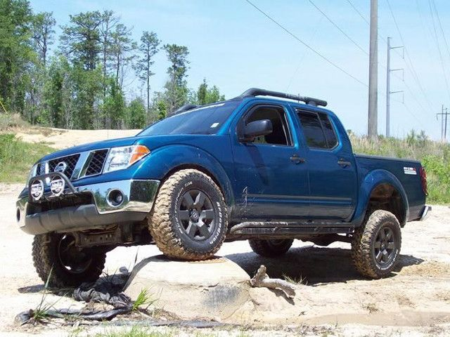 lifted nissan frontier