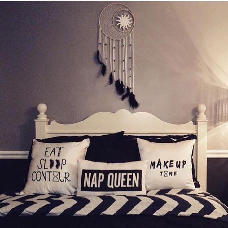 Black and white dream catcher bedroom