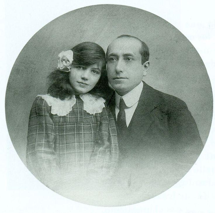 """Gratia plena"", del mexicano Amado Nervo (1870-1919), es el poema clásico que he escogido para ti esta semana. http://ciudadseva.com/textos/poesia/ha/nervo/gratia_plena.htm"