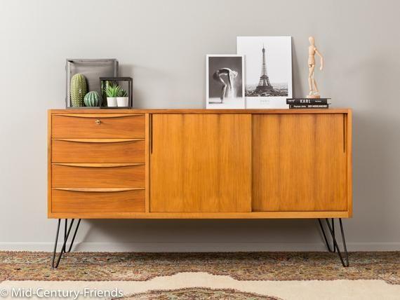 Wundervolles Teilmassives Sideboard Im Skandinavischen Stil Aus Den 1950er Jahren Korpus In Nussbaum Furnier Mit Z Wood Drawers Scandinavian Style Home Decor