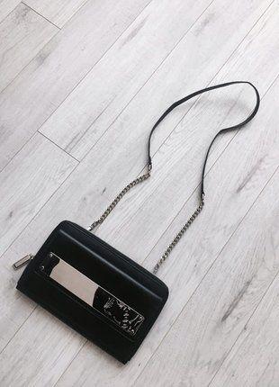 Kup mój przedmiot na #vintedpl http://www.vinted.pl/damskie-torby/torby-na-ramie/16072762-czarna-torebka-z-odpinanym-uchem-srebrny-lancuch-charleskeith