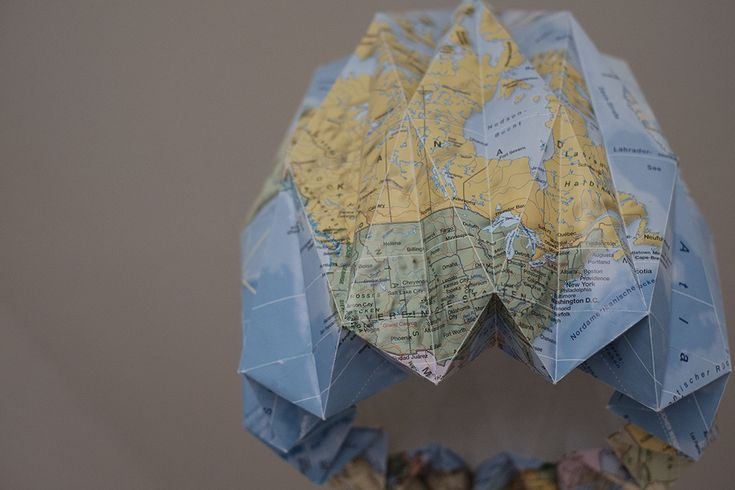 UPCYCLING | Origami-Lampenschirm aus alter Weltkarte