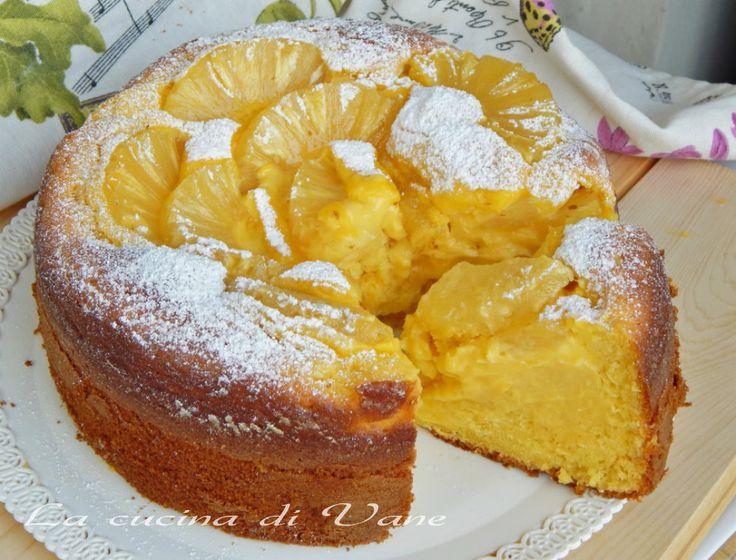 torta soffice mascarpone ananas e crema, una torta che si mangia con gli occhi, sofficissima grazie al mascarpone,la crema e l'ananas la rendono golosissima