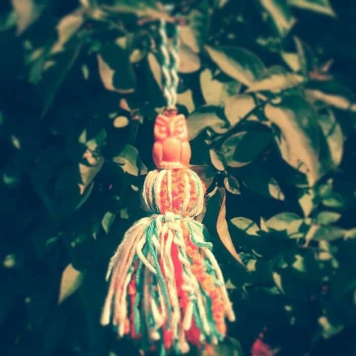 Mini borla ideal cajonera, mesitas de luz o mesas de arrime. #borlas #deco #buho #handmade