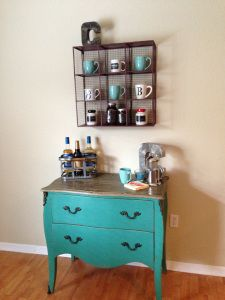 Coffee Bar/Home Decor Project- ohhhh!  I never thought of having a little shelf to put the mugs in!