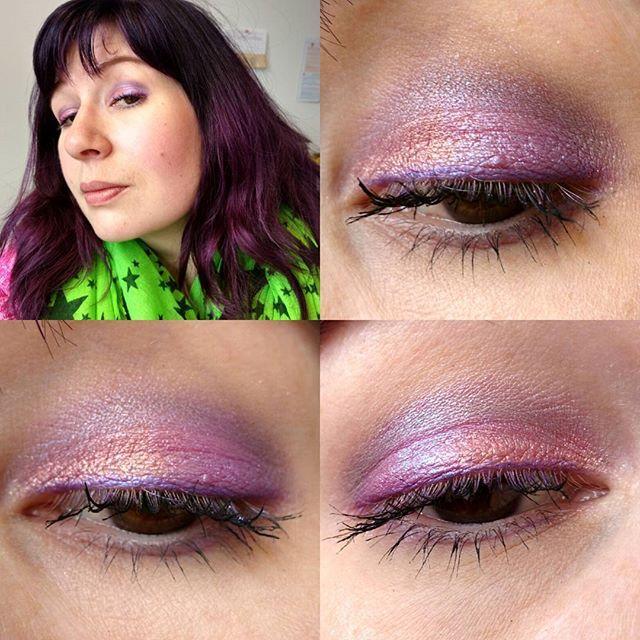 Heute auf den Augen: #mac #paintpot #stormypink als Base, darüber Pigmente vom #tkbtrading in #sparklerose und #pinkredblue und in der Lidfalte #trenditup #no1 #eyeshadow gemischt mit #catrice #lalaberlin #shadeofgrey  #maccosmetics #dmtrenditup #dm_trenditup #catricecosmetics #catrice_cosmetics #eyesoftheday #eotd #eyes #eyemakeup #amu #augenmakeup #eyelook #makeupoftheday #face #faceoftheday #fotd