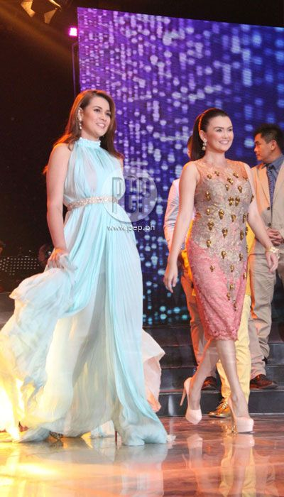 This is Bea Alonzo and Angelica Panganiban all dressed up and walking on the ASAP stage during the Star Magic Parade of Stars during ASAP 18 last 2013. Bea and Angelica are amazing talents of Star Magic since they all rose to fame through ABS-CBN and Star Magic. #BeaAlonzo #AngelicaPanganiban #ASAP18 #starmagic21stanniversary