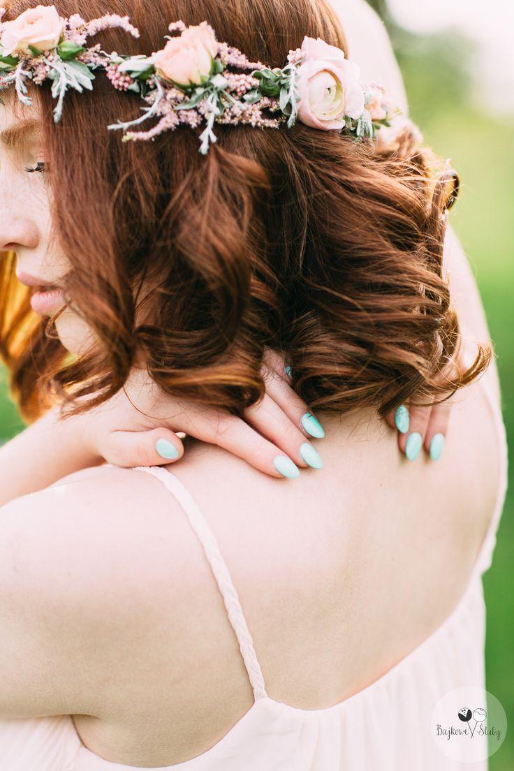 wedding session / session romance / love /  floral crowns / romantyczny wianek / fot. Bajkowe Śluby