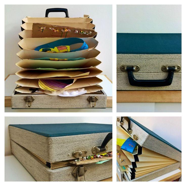 Een oude platenkoffer vol kindertekeningen (DIY). Vintage vinyl record case as storage box for children's drawings (DIY)
