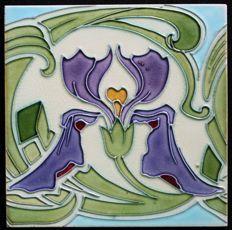 Gilliot & Cie Hemiksem - Large size Art Nouveau tile with iris