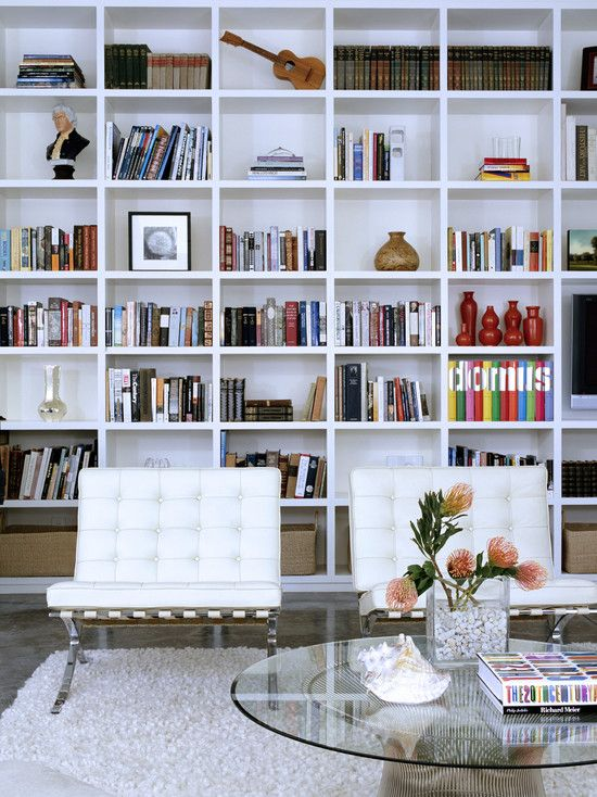 Floor to ceiling shelves: Libraries, Decor, Modern Living Rooms, Bookshelves, Ideas, Built In, Book Shelves, Bookca, Barcelona Chairs