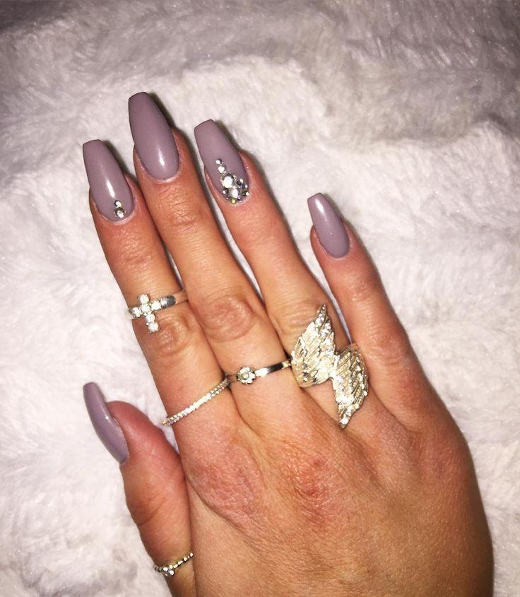 """Just nu rockar jag nya färgen """"Little Stone""""  #nails #gelnails #gelenaglar #gelnaglar #nailnbeautybyanna #naglar #glitternails #nagelförlängning #nagelförstärkning #lackgel #REQ #glitternails #glitternaglar #glitter #frenchmanicure  #marin #bluenails #flakes #naildecoration #ögonfransförlängning #fransförlängning #fransar #lashes #lashextension #eyelashextension #luxuriouslashes #skövde #skövdekliniken #nailnbeautybyanna by nailnbeautybyanna"""