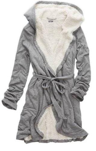 omg this robe looks amazing! Medium or Large to be comfy! - Gabrielle Klecko - cozy omg this robe looks amazing! Medium or Large to be comfy! Style Baby, My Style, Pijamas Women, Sleepwear Women, Women's Sleepwear, Bustiers, Nightwear, Mantel, Lounge Wear