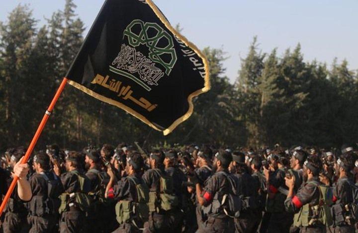 KIBLAT.NET, Damaskus – Kabar duka kini menyelimuti kelompok jihadternama Suriah, Ahrar Asy-Syam. Pada saat bersamaan Ahrar terpaksa kehilangan empat pejuangnya sekaligus, termasuk komandan divisi yang bernama Majid Hussen Shadiq dan melukai sekitar tiga puluh lainnya. Menurut Observatorium Suriah untuk Hak Asasi Manusia yang dilansir dari Arabi21 pada Ahad (24/04), telah terjadi serangan bom bunuh diri …