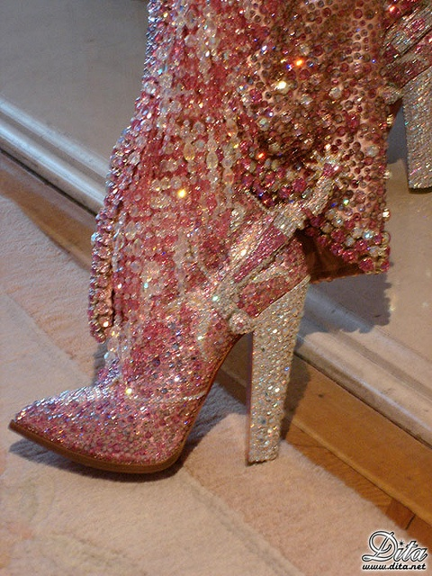 boot.High Heels Boots, Cowboy Boots, Bling Shoes, Pink, Swarovski Crystals, Glitter, Cowgirls Boots, Dita Von Teese, Bling Bling