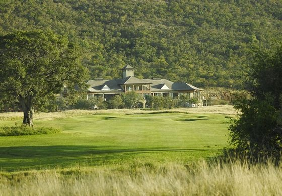 Euphoria Golf Estate is perfect for a destination wedding in bushveld surroundings and is situated on a beautiful golf course.