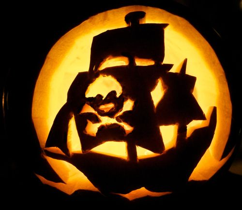 AHOY THAR, check out this Jolly Roger Pirate Ship silhouette pumpkin carving. Looks simple to do! Love me some creative jack o'lanterns. Gonna make it look creepy cool with a slow-color-change LED light inside: http://www.flashingblinkylights.com/ledsubmersiblecraftlights-c-114_462.html