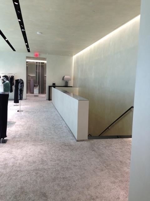 Il negozio emporio armani situato al 601 di madison avenue for Piani a quattro piani
