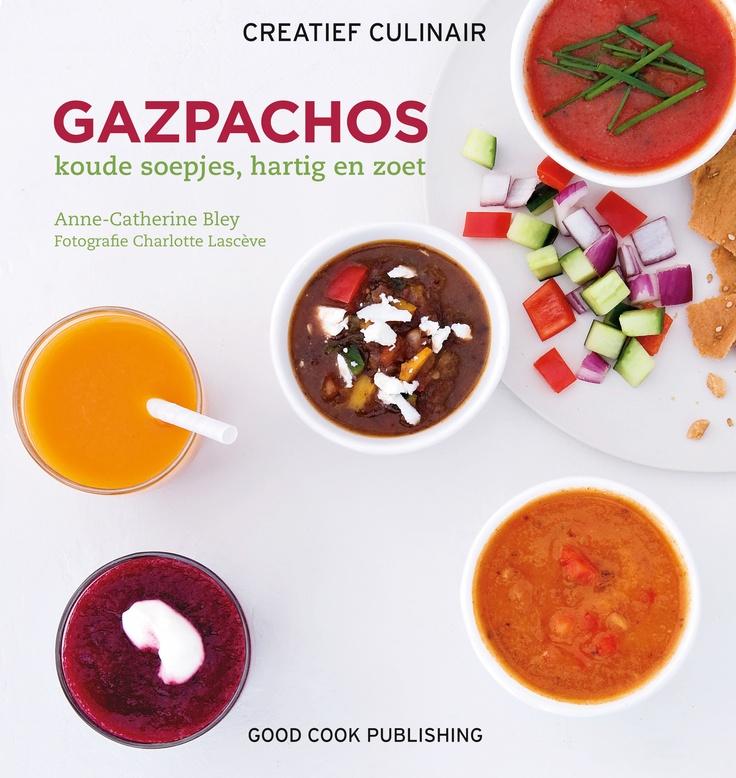 Koude soepjes, hartig en zoet. Heerlijk rijpe en smakelijk tomaten, wat knoflook voor wat pit, een sliertje verrukkelijk fruitige olijfolie... Maak kennis met het originele recept voor Andalusische gazpacho en daarvan afgeleide recepten zoals groene gazpacho en gazpacho met amandelen. Maar er zijn veel meer unieke recepten voor koude soepjes, zoals soep met courgette en gember, of met bieten en sinaasappel. Auteur: Anne-Catherine Bley | ISBN: 9789461430403| Hardcover 70 pagina's | Good Cook