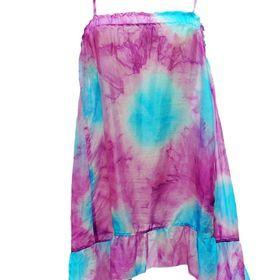 TOMEL - Légère et à porter au dessus du maillot de bain, cette robe de plage est parfaite pour cet été. Offrez la grâce à http://www.tomelapp.com/