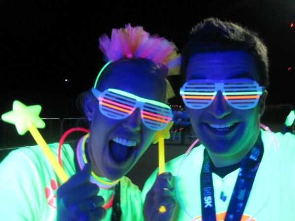 We need ideas for our Moonlight Run, check them out - and help us out: glow run | The Bean Sprout Notes: My Sister's Headband for the Glow Run 5K