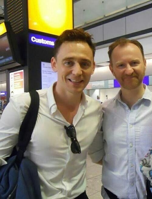 gnstevenson:  FANDOMS COLLIDE! Tom Hiddleston and Mark Gatiss at Heathrow #Coriolanus   Reblogging because, well, it's obvious really....