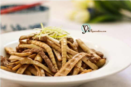 Post image for Easy Stir Fry: Bamboo and Pork (竹筍炒肉絲)