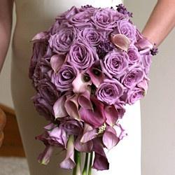 paarse bruidsboeketten