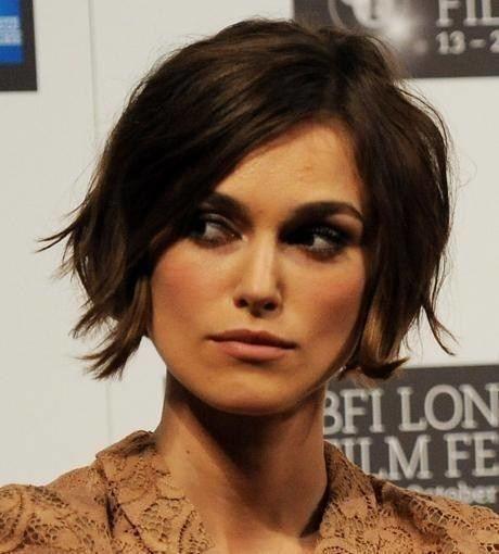 Fransen-Look: Keira Knightley … | Trendfrisuren: Pixie, Bob … – Damen Haare