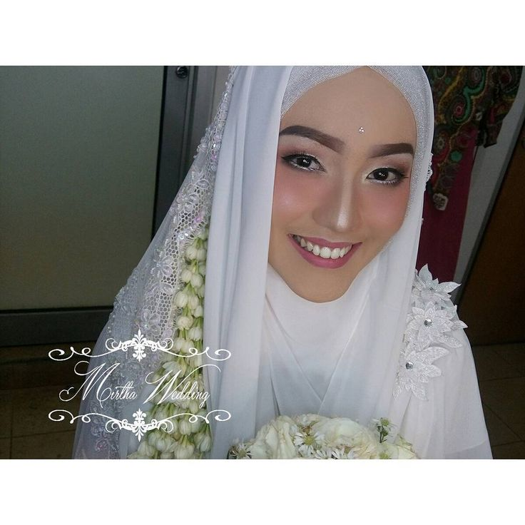 Tanpa bulu mata palsu Tanpa cukur alis  Info Price List dan Lainnya :  Wa/tlpn 081297285452 Email mirthawedding@gmail.com Fb meti salfianti Ig @mirthawedding Line mirtha.wedding  BUAT JANJI SBELUM.BERTEMU  #syariwithmirthawedding #tanpacukuralis #mirthawedding #bride #wedding #weddingdress #bridedress #kebaya #likeforlike #l4l #kebayamodern #muslimahwedding #hijab #hijabdress #pernikahan #inspirasikebaya #makeup #weddingmakeup #bridemakeup #gown #weddinggown #like4like #kebayapernikahan…
