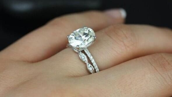 I absolutely love this twisted wedding band!!! with the thin engagement ring