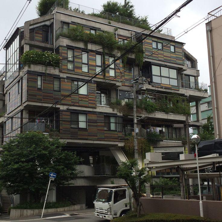 Green facade view 2