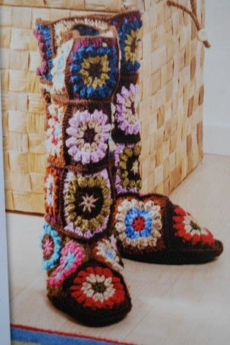 These are too fabulous. Free pattern online.