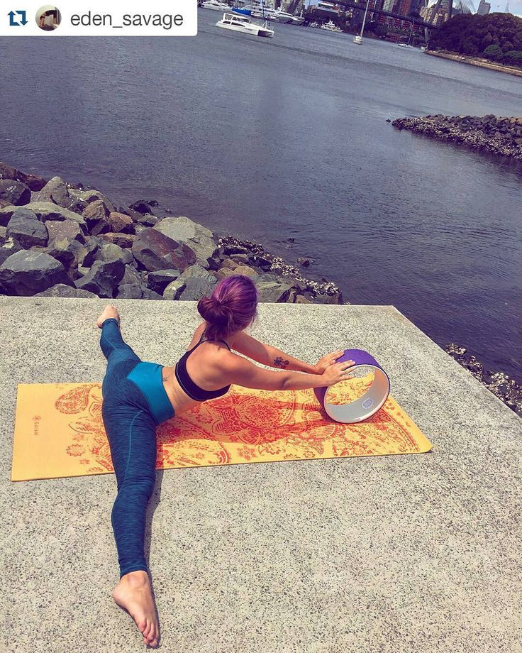 #Repost @eden_savage with @repostapp  Yoga by the water @pranawheels #splits…