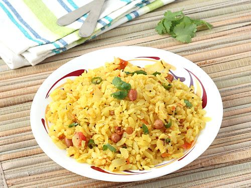 Aval Upma (poha upma) - A quick and easy breakfast dish prepared with beaten rice flakes