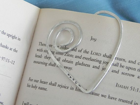 Personalized Heart shaped wire Bookmark... shaped wire -- hammered and hand stamped with name on Etsy, $5.00